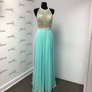 Blush C1033 Tiffany size 12